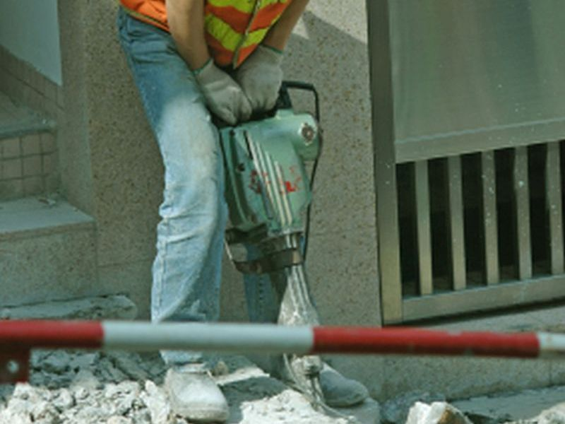 Backbreaking Work May Shorten Men's Lives