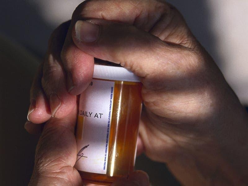Prescription Opioids May Raise Pneumonia Risk