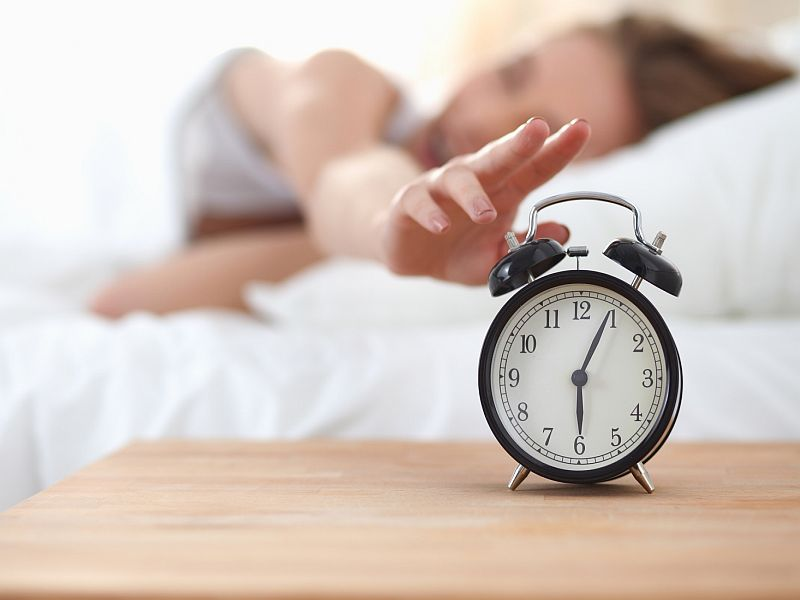 When erratic snoozers improve shut-eye habits, they feel better, study finds.