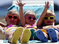 Pediatricians offer advice on preventing sunburns, other warm weather problems.